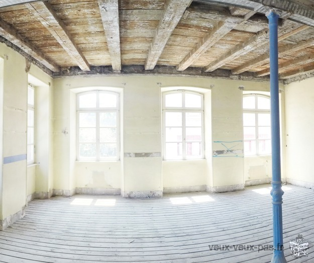 selling office / warehouse space in industrial area