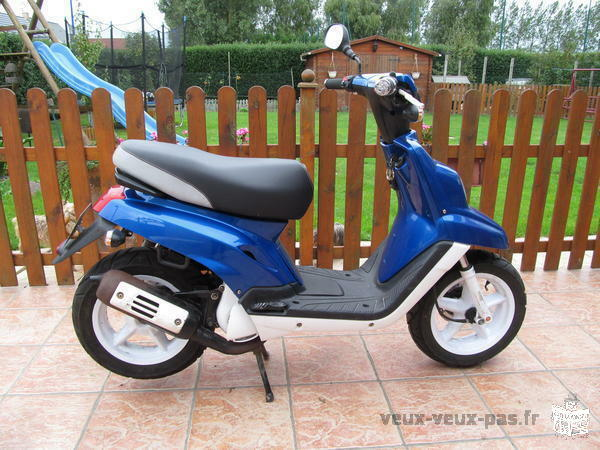 petite annonce scooter mbk booster spirit 50 cc 350 mayotte 976 moto occasion scooter. Black Bedroom Furniture Sets. Home Design Ideas