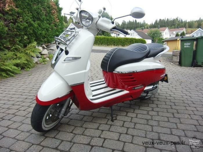 Scooter Peugeot DJANGO 125