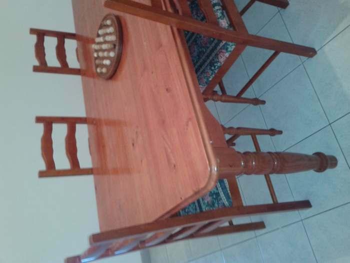Table à manger + 6 chaises