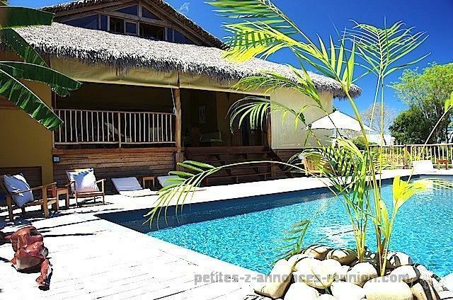 Villa de qualité, meublée, décorée, équipée avec vue mer et grande piscine dans un parc résidentiel