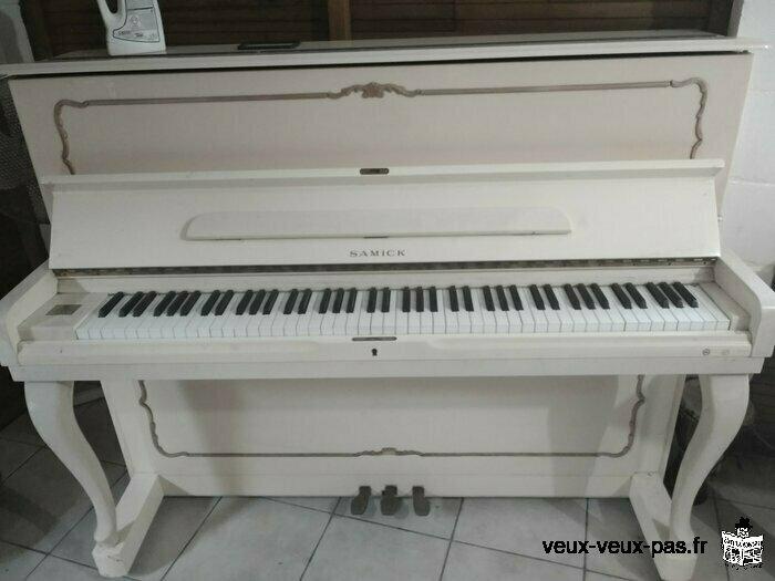 vends piano