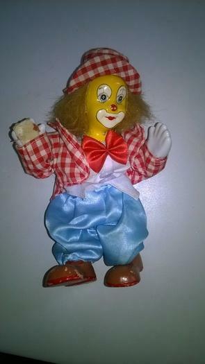 petite annonce joli clown en c ramique talange 57525. Black Bedroom Furniture Sets. Home Design Ideas