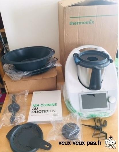 Robot Thermomix Vorwerk Tm6 neuf avec garantie jusqu'au 07/22