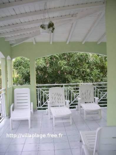 location meublée Haut de villa 500 m plage Sainte-Anne